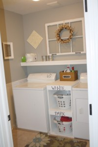 Simple-small-laundry-room-with-Shelving-ideas-915x1372